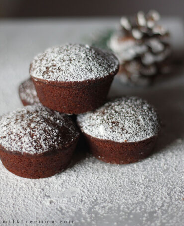Vegan Gingerbread Muffins