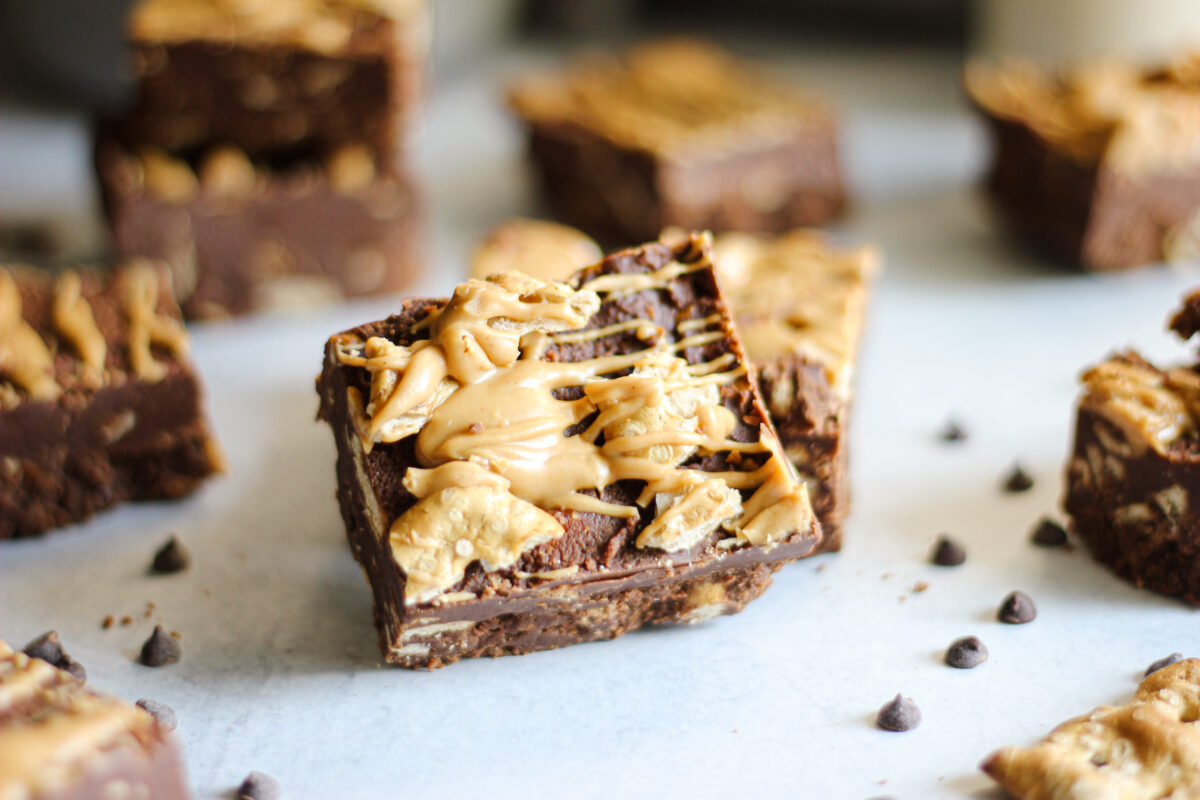 Gluten Free Chocolate Peanut Butter Pretzel Bars